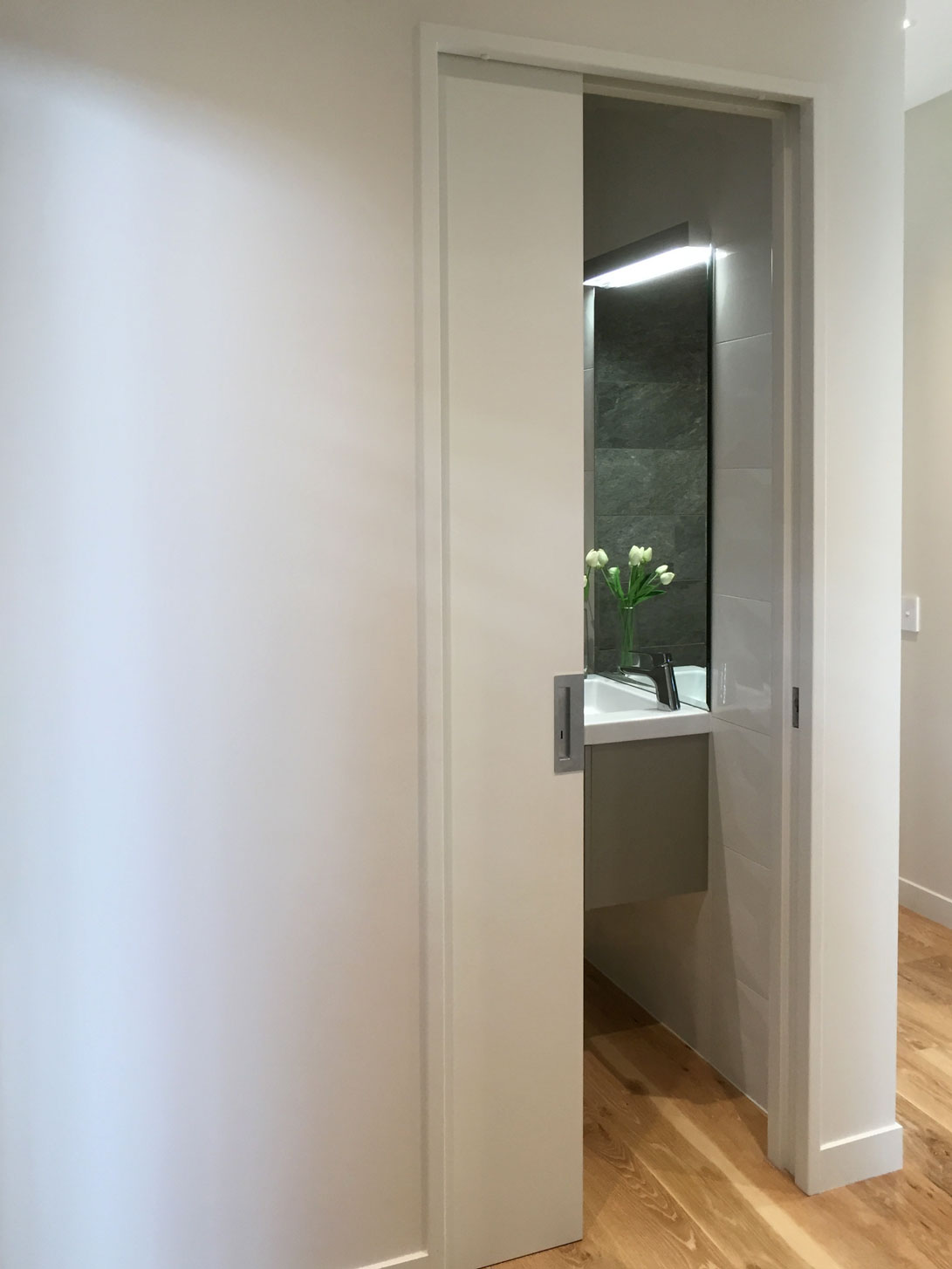 Flush timber door with CL400 handle