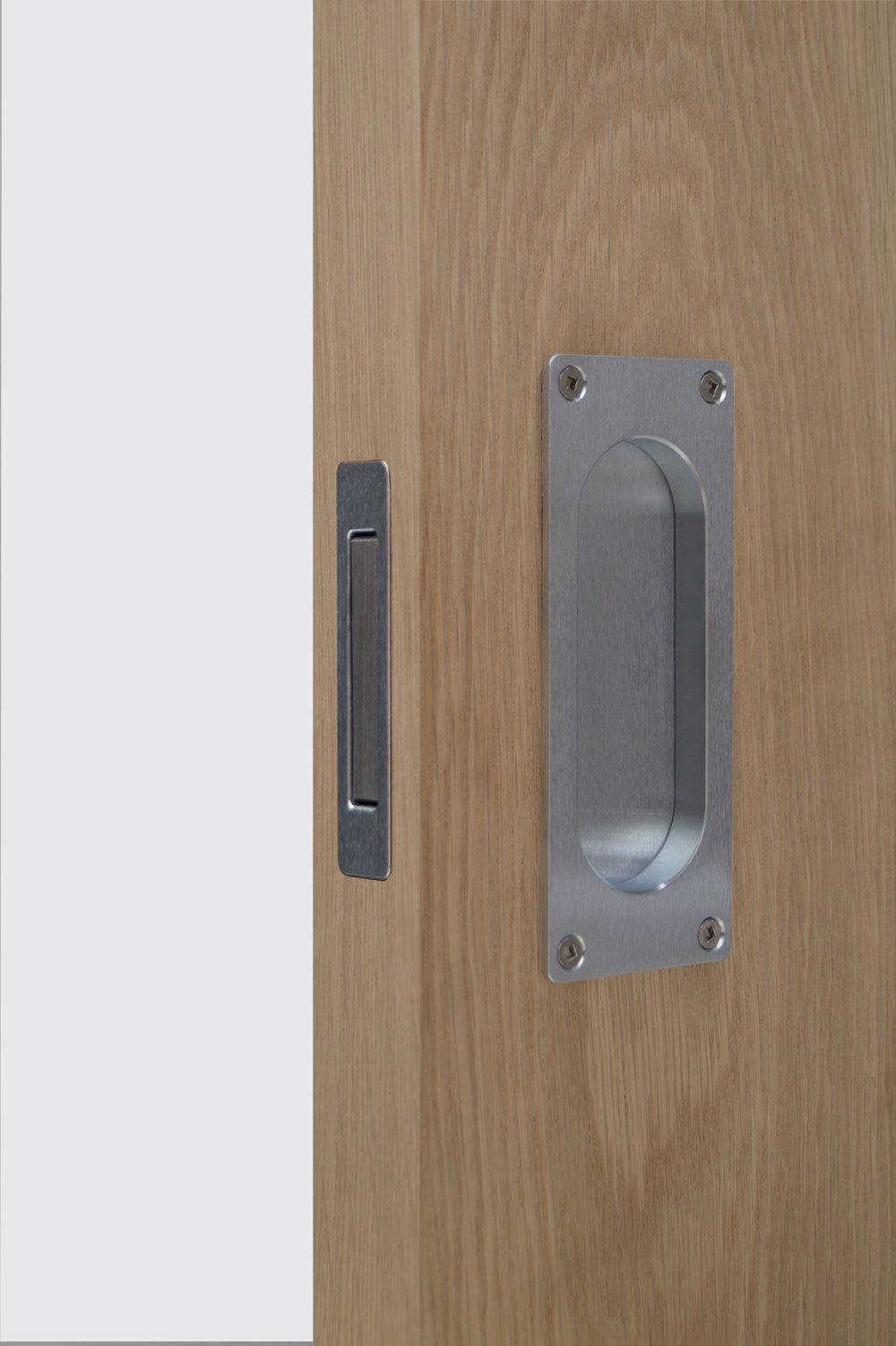 Timber Edge Pull & Louey satin chrome